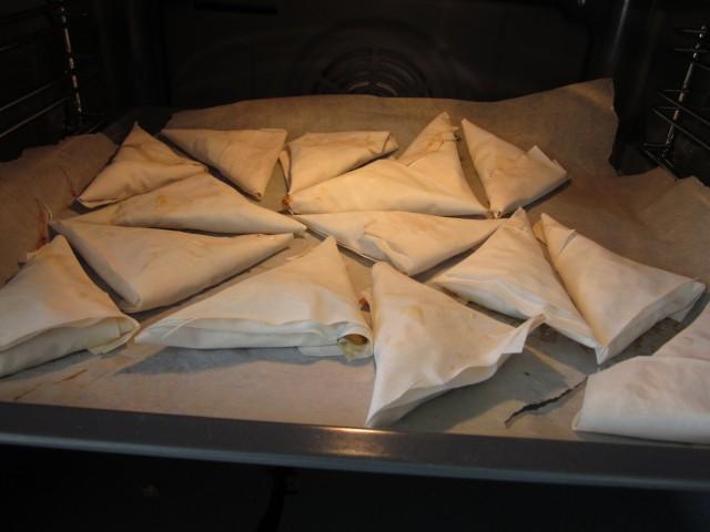 Færdige samosaer, klar til bagning